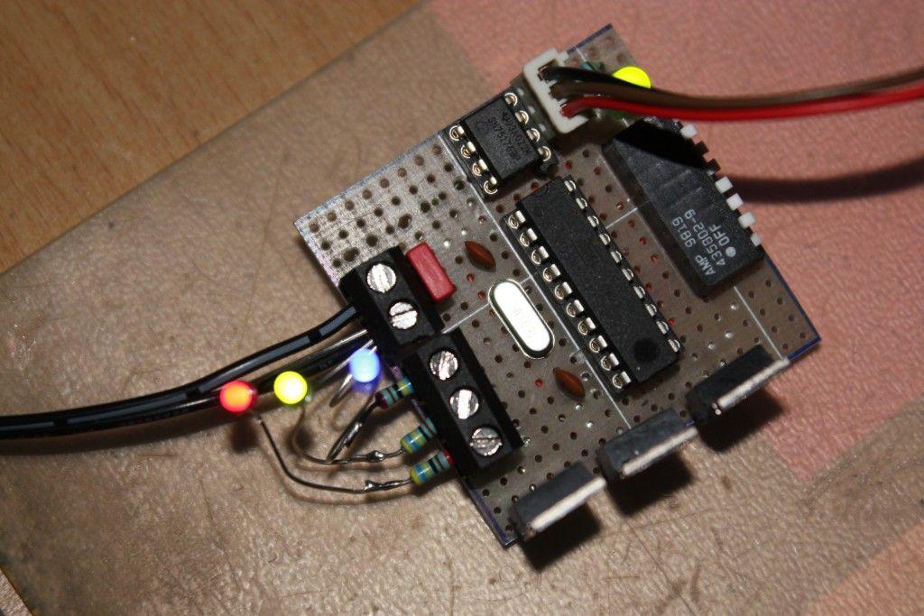 DMX LED Dimmer RGB Lochrasteraufbau